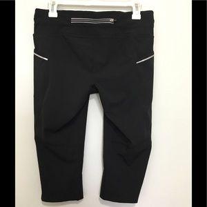 Athleta Pants - Athleta Dobby  Be Free Knicker Crop Capri Black